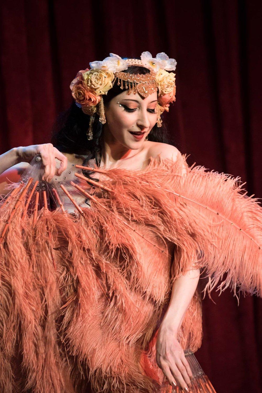 burlesque-01.jpg