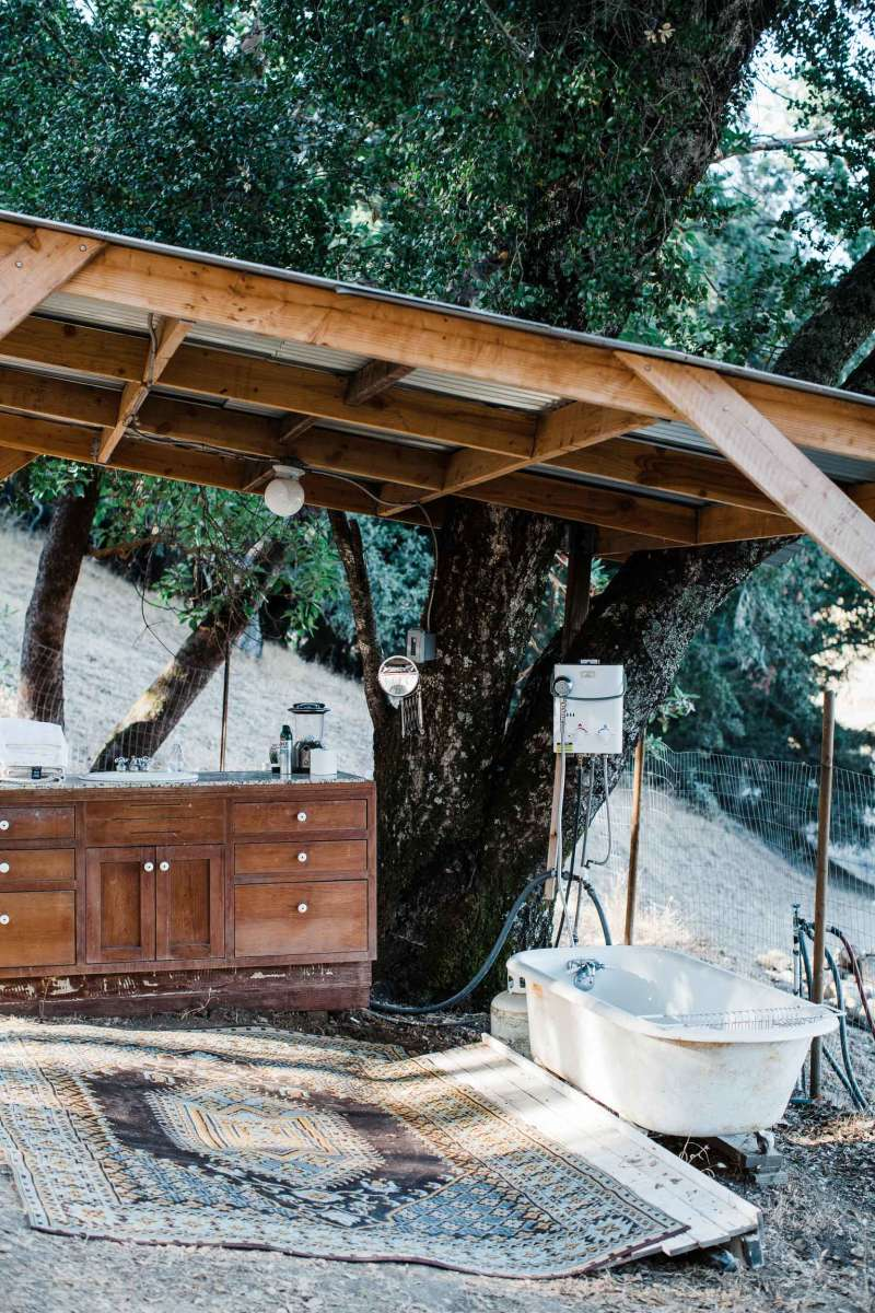 Sindisa's Picturesque Outdoor Bath with Running Water