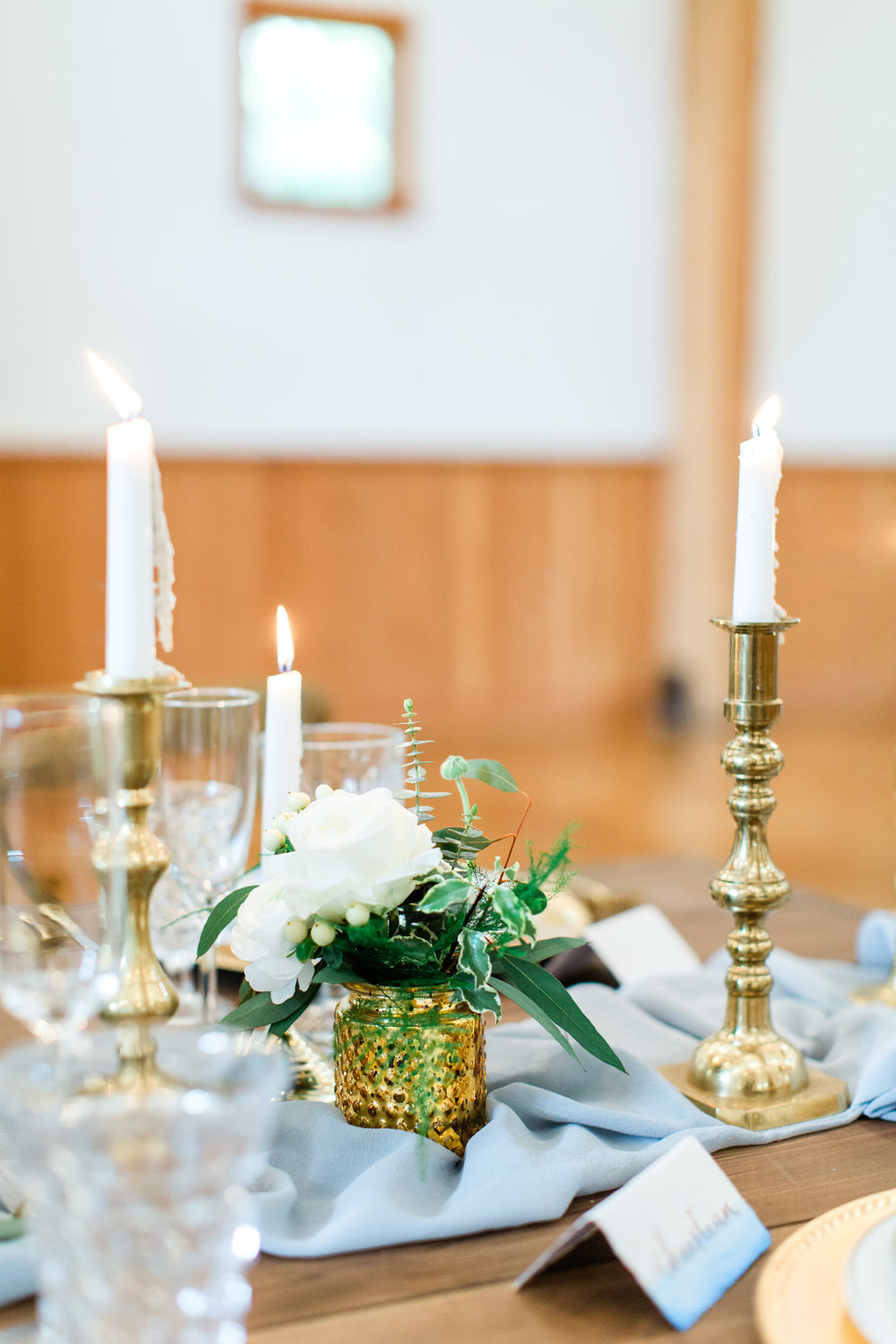 Photography by Belen Isabel Photography  Floral Design by Flowers & Thyme