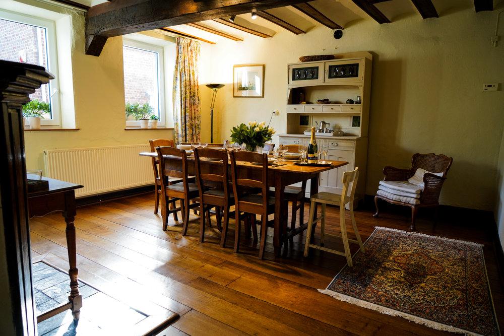 Eetkamer - Voor een gezellige etentje met uw familie of vrienden.