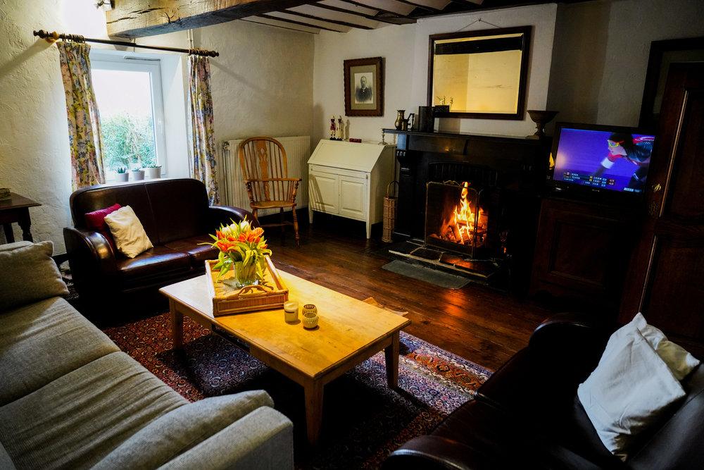 Living Room - Fireplace, TV + DVD, WiFi, …