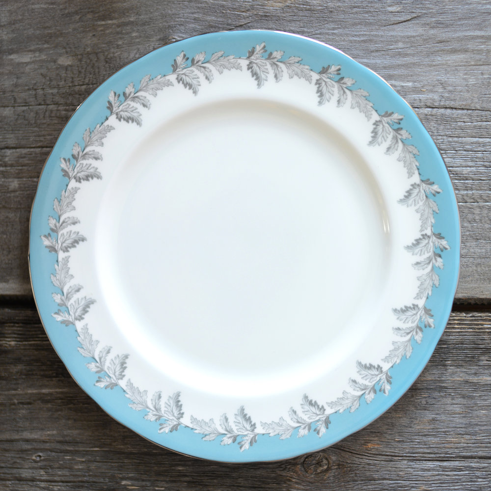 oak leaf dinner plate