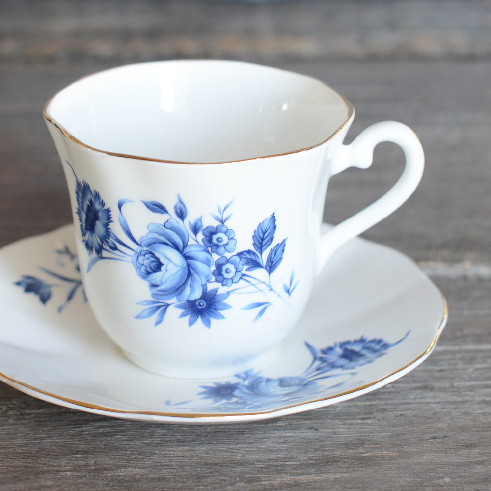 elizabethan tea cup and saucer