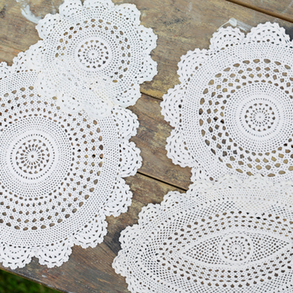 assorted vintage doilies