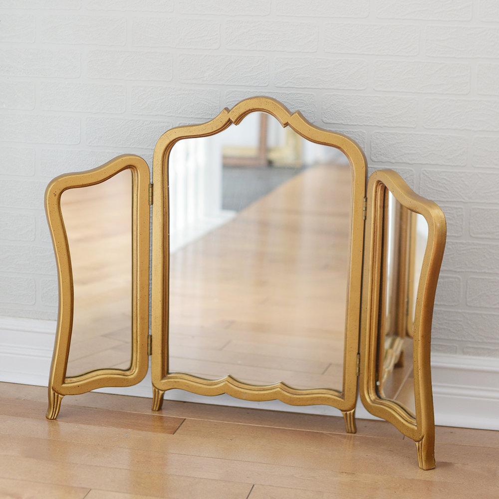 """24"""" X 30"""" Sorelle Vanity Mirror"""