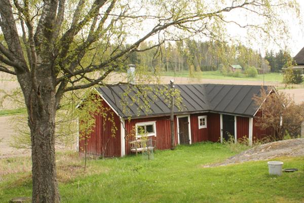 8. Lindnäsin ulkorakennus..8. Lindnäs uthus - ....Rakennusvuosi tuntematon, mutta osittain uudelleenrakennettu 1940- ja 1950-luvuilla...Byggnadsår okänt, men delvis ombyggt på 1940- och 1950-talet.....