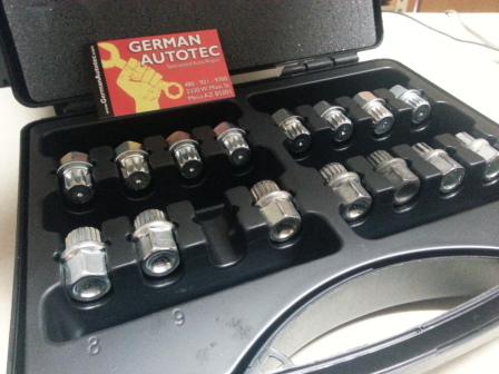 VW+Master+Set+Wheel+Locks.jpg