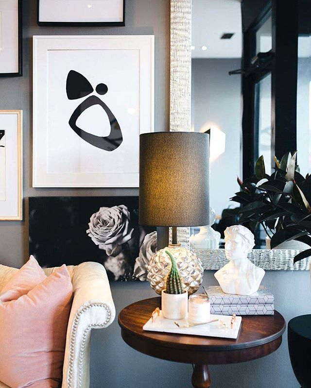 I'm sure you all know that I'm a sucker for anything black + white, marble or anything luxe! I've put together a blogpost featuring ten of my favorite luxe home decor items under $150 with direct links. Click the link in our profile to check it out! ☺️ #Blog #interiordesign #homedecor #luxehomes #interiors #artwork #marble #chicagointeriordesigner #luxurylifestyle #homelifestyle #homedecorblogger