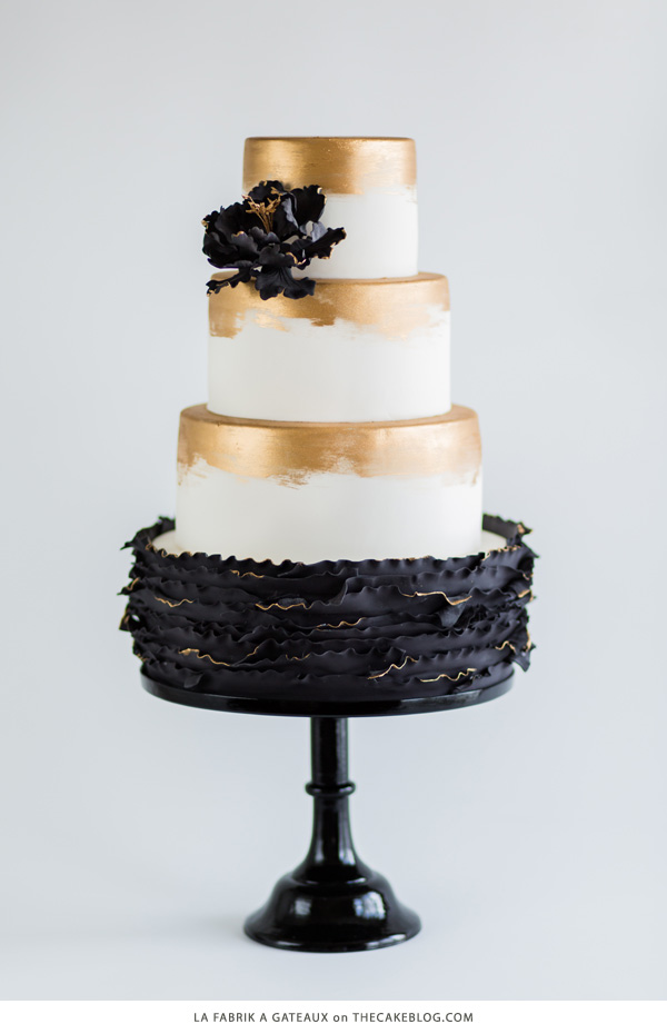 black_wedding_cakes_6.jpg
