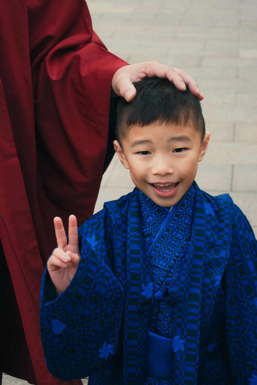 family kids photoshoot kimono samurai asakusa sensoji tokyo