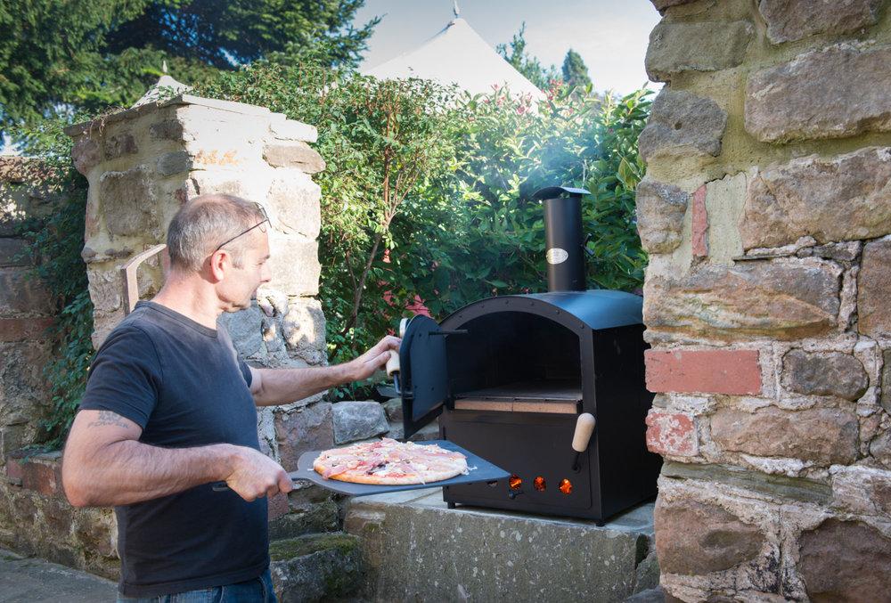 pizza-making-morag-macdonald.jpg