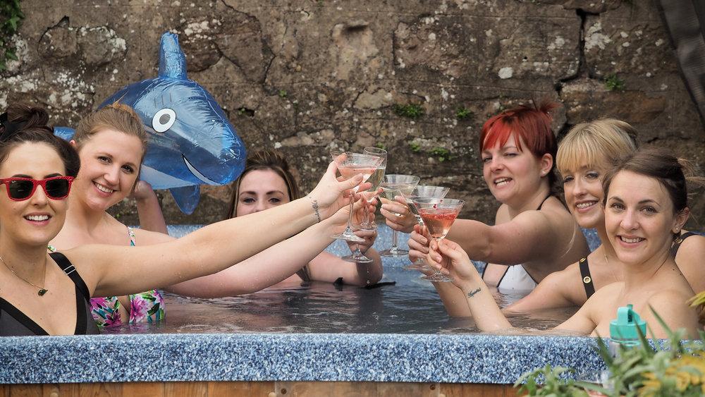 hot tub (4).JPG