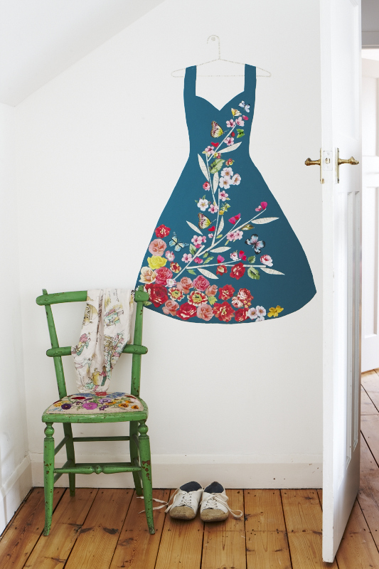 CB945_WALL_ART_WALL_50'S_DRESS_1.jpg