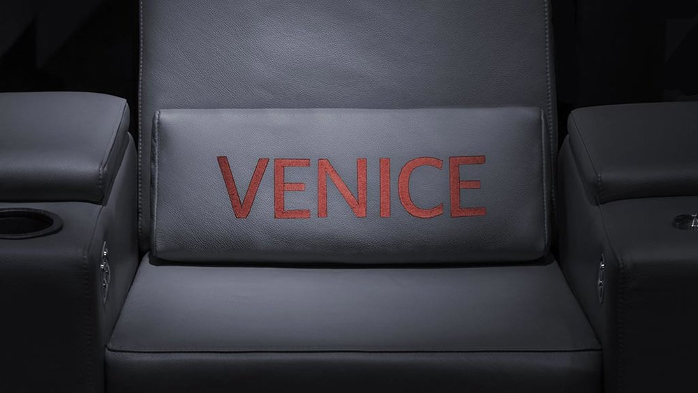 features-pillow-venice-leather-embroidery