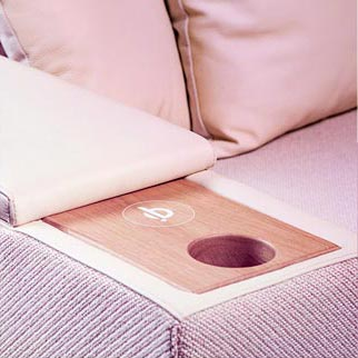 blog-budapest-sofa-wireless-charger