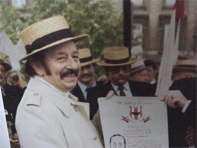 """1987: Romain Deconinck   Uitstekend Gents acteur, bekend als """"Nonkel Miele"""", bezieler van de Minar schouwburg."""