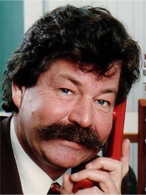 "1989: Chiel Montagne   Veronica-dj van het eerste uur, tevens presentator van o.a. ""Op Losse Groeven""."