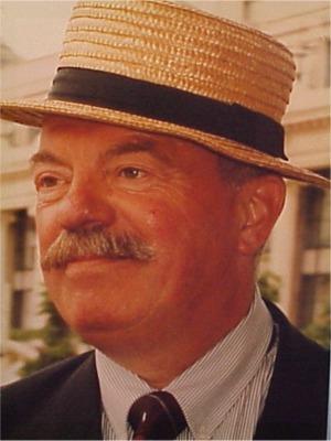 """1997: Nick De Belder   Vertegenwoordiger van brouwerij """"Moortgat"""" in Breendonk, ge weet wel, sst... hier rijpt den Duvel."""