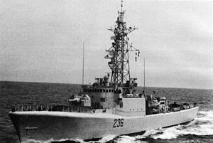 300px-HMCS_Gatineau_(DDE_236)_underway_in_1983.jpg