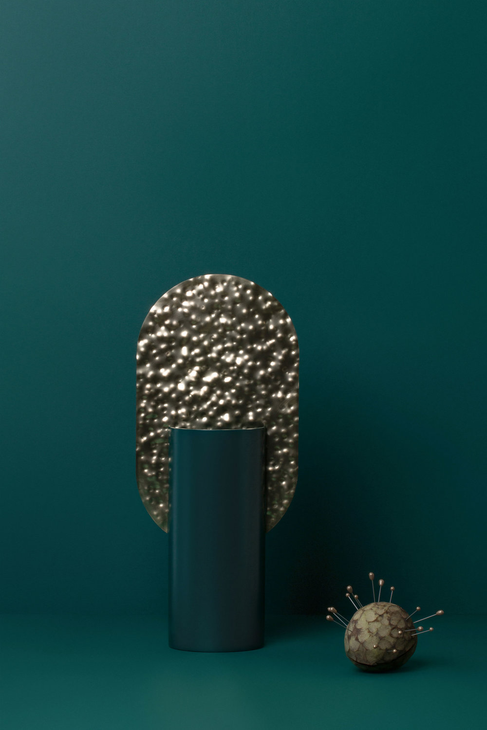 SCULPTURAL - Even an empty vase looks like a small art object in your house.