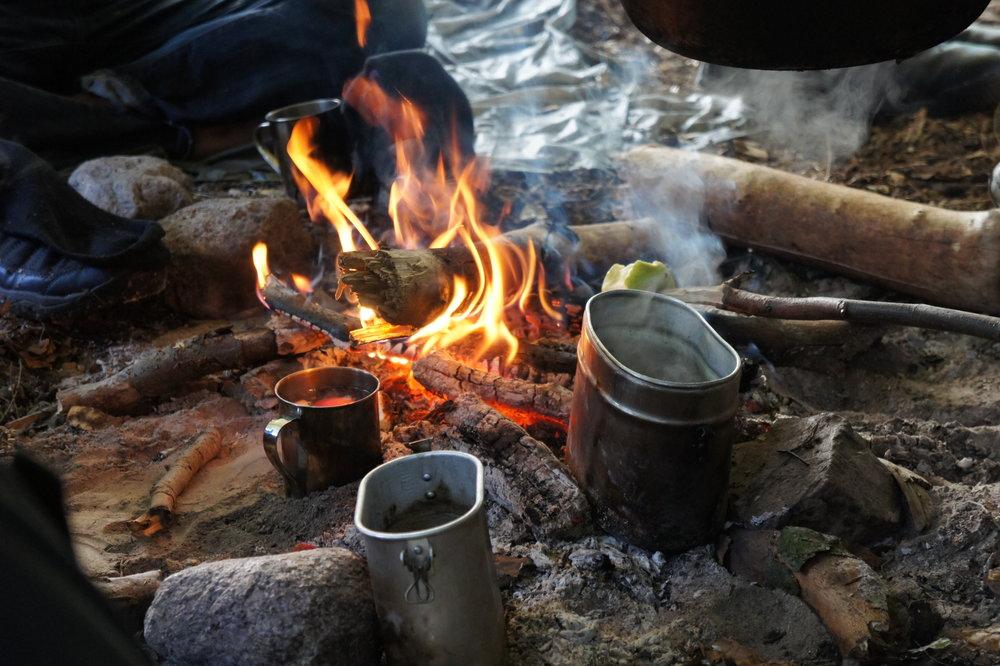 Lagerfeuer beim Wildniskurs