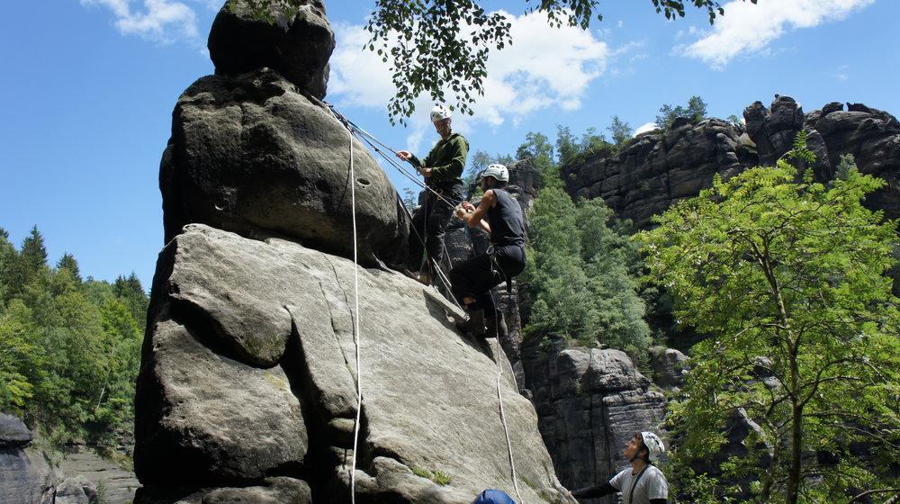 Abseilen vom Fels