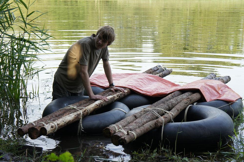 Floßbau für Wildnisführer