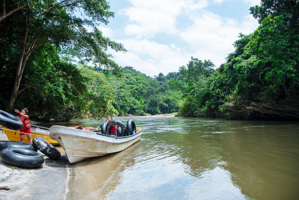 Inner tubing river Boutique Colombia