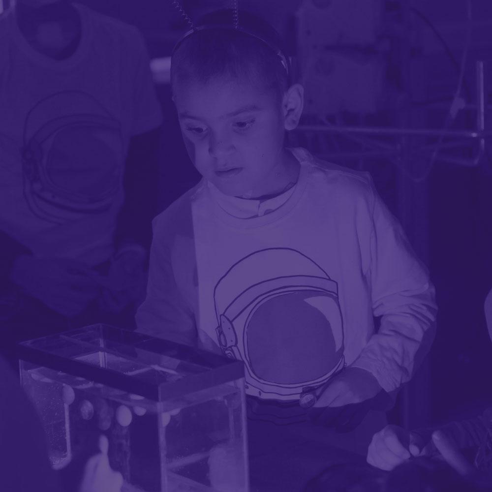 Lumi - Levamos crianças da Oncologia Pediátrica do Hospital de Clínicas de Porto Alegre para uma viagem espacial por meio de realidade virtual,sem sair do ambiente hospitalar.