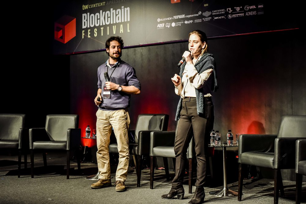Diogo Busse e Paula Berman, da Democracy Earth Foundation