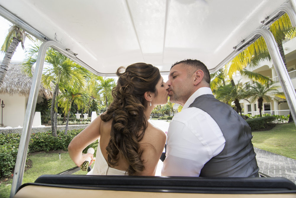 Destination_Wedding_Photographer_Dominican_Republic_Photojournalism_Travel_Couples_Wedding_Photography_021.jpg