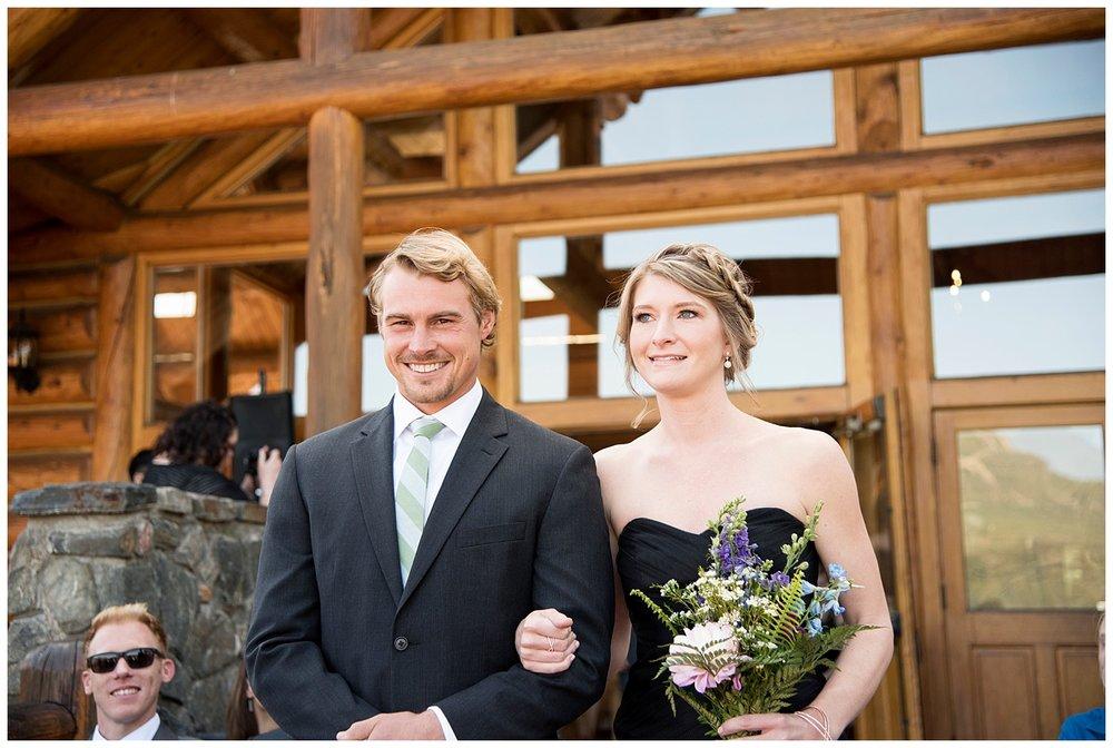 Farm_Wedding_Photographer_Evergreen_Lake_House_Colorado_Barn_Destination_Hawaii_Photography_Mountain_Weddings_017.jpg