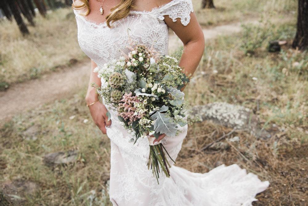 Sneak_Peak_Eve_Bobby_Lookout_Mountain_Wedding_007.jpg