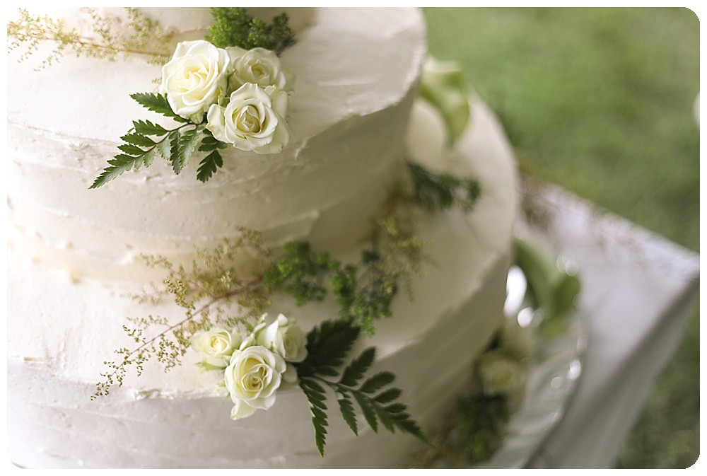 Vanilla Wedding Cake with Flowers and Cream Cheese Frosting Ideas Recipe