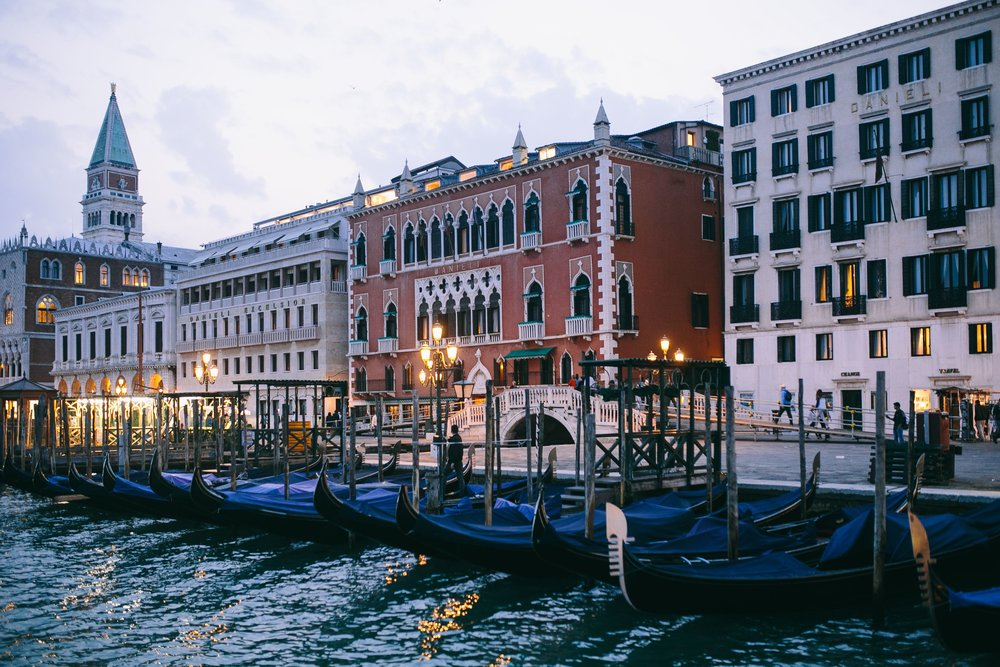 kaboompics_Gondolas in Venice, Italy.jpg