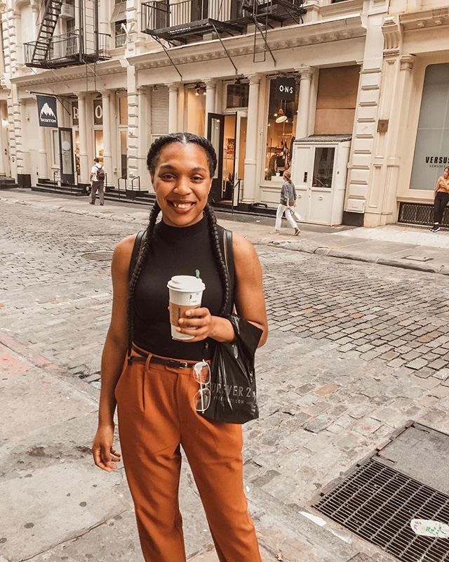 Hi, guys! I'd like to introduce myself.  In case you didn't know, My name is Darianne. I am an English major with a double minor in Art history and publishing. I'm obsessed with coffee and tea (mostly). I started on tumblr as a studyblr but wanted to share my love for books. I eventually ventured on to Instagram to share my love for books. I'm always torn between fantasy, contemporary, and historical. If you have any recommendations, leave a comment. Anyways, here I am a couple years later on bookstagram with a book blog. It's nice to meet you. . What is your favorite genere? . Who is your favorite author? . And if you read this far, you can check out my blog which is link in my bio. 🤗 . . .  #studyblr #bookflatlay #VictorianLiterature #bookblr #university #ClassicLiterature #RenaissanceLiterature #style #bookworm #inspiration #study #bookaddict #bibliophile #MedievalLiterature #bookporn #books #literature #Studyspo #bookblogger  #bookbloggers #notebooks #stationery #yafiction #bookgram #goodreads #bookish #IGReads #Lifestyleblogger #Bookstagram #CCNY