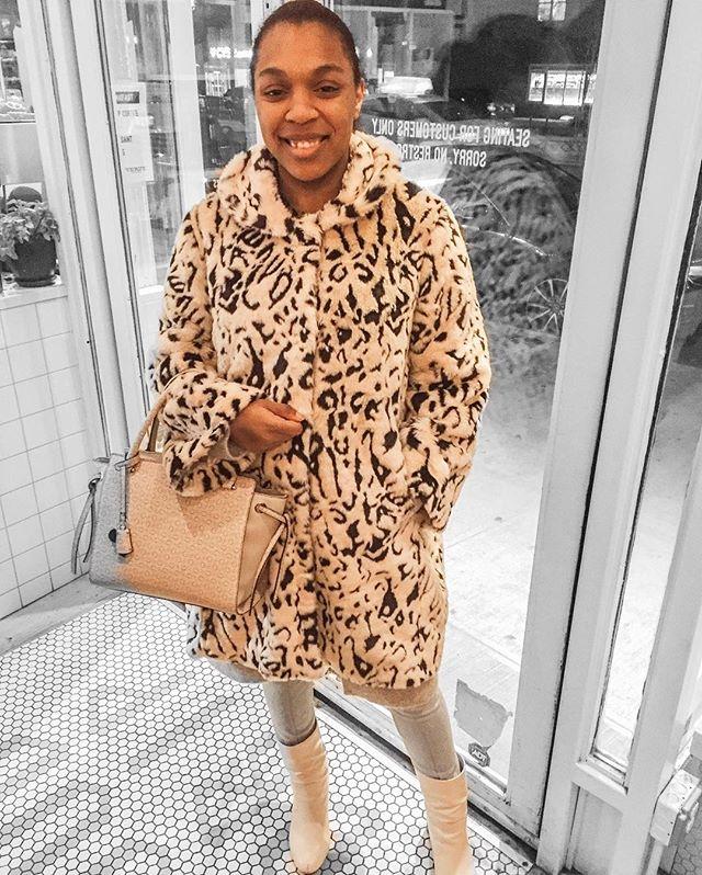 When google decided to edit your photo but grays a quarter of your bag... 😉 . . .  #style #fashion #streetstyle #ankleboots #HarryStyles #YSL #ootd #Positivity #OOTDBlackGirls #StyleBlogger #denim #wanderlust #travel #newyork #ootdstreetstyle #nyc #ny #nycstreetstyle #dress #styleinspo #fashioninspo #stylesinspiration #bookblogger #nyblogger #art #nycblogger #fashionblogger #lifestyleblogger