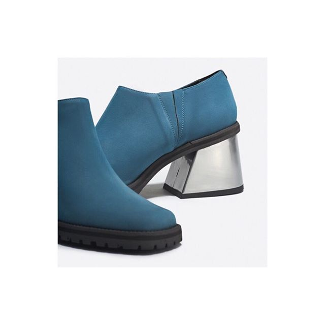 Blue Saturday in Madrid 💧  BEST TIME TO CHECK OUR DISCOUNT www.pol-studio.com  #shoes #crueltyfree #blue #silver #heels #shoponline #sale #fashion #winter19 #dressdesign