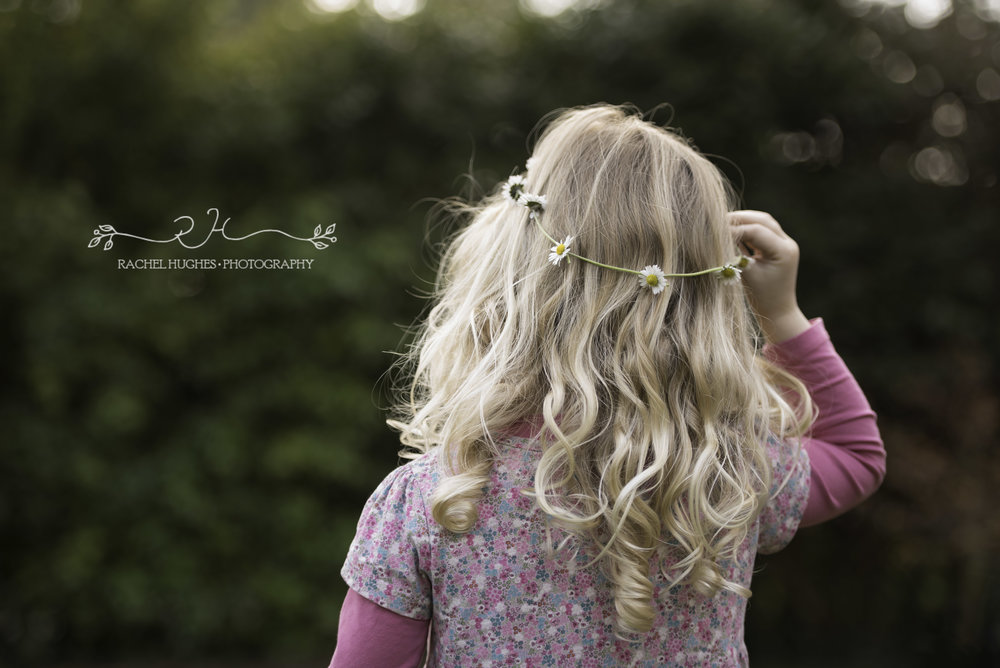 Daisy crown family photography Henley-on-Thames