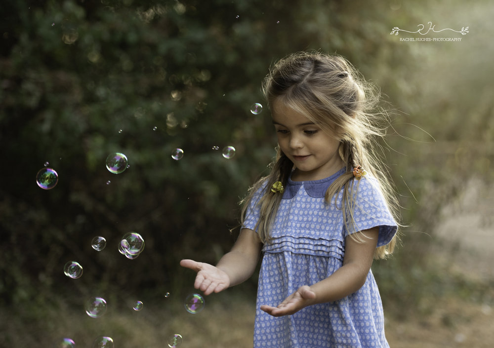Jersey photographer - girl catching bubbles