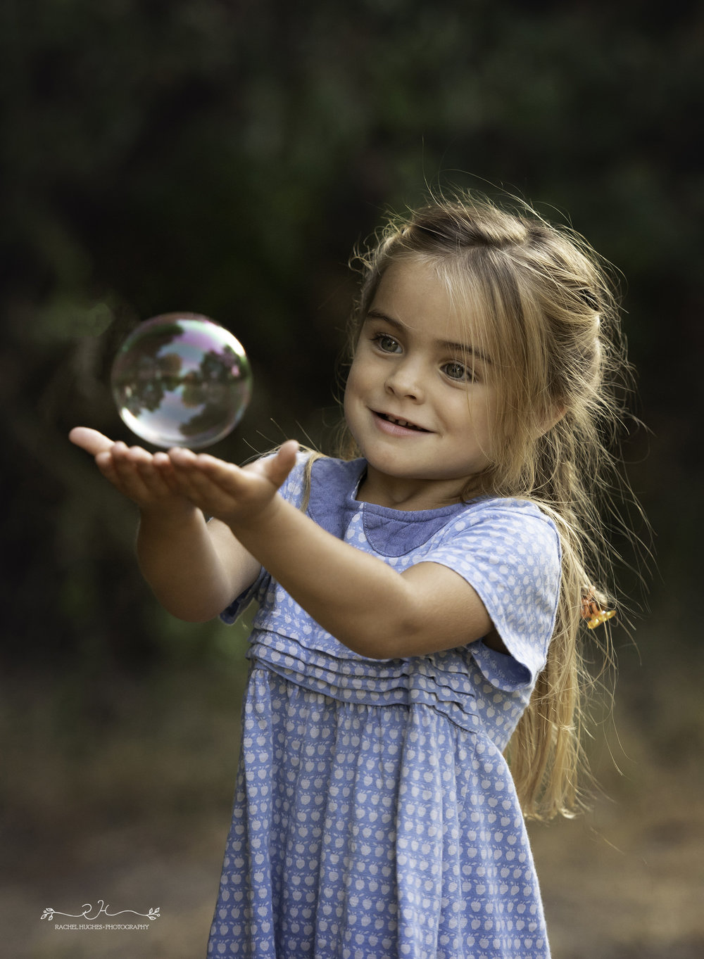 Jersey photographer - girl holding bubble