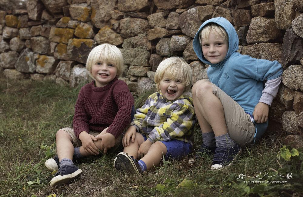 Jersey photographer - three boys sheltering at Grantez