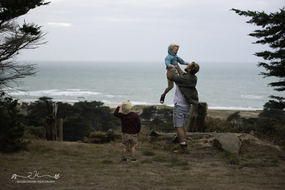 Jersey photographer - dad throwing boy into air at Grantez