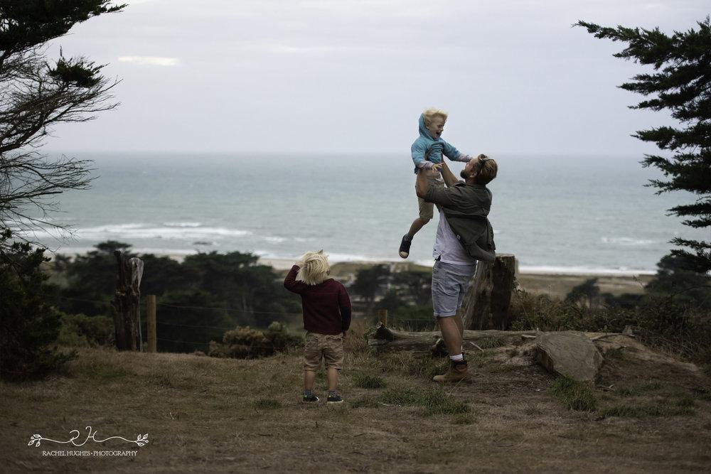 Jersey photographer - dad throwing boy into air at Grantez