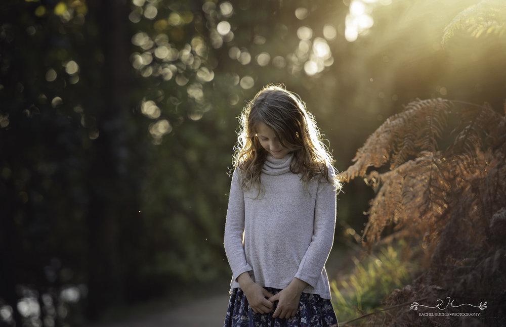 Jersey photographer - girl standing in autumn sunlight