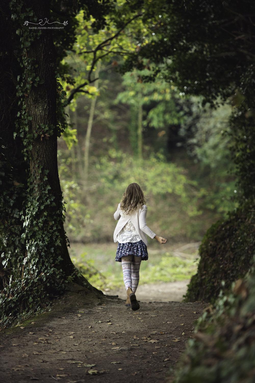 Jersey photographer - girl running at Queen's Valley Reservoir
