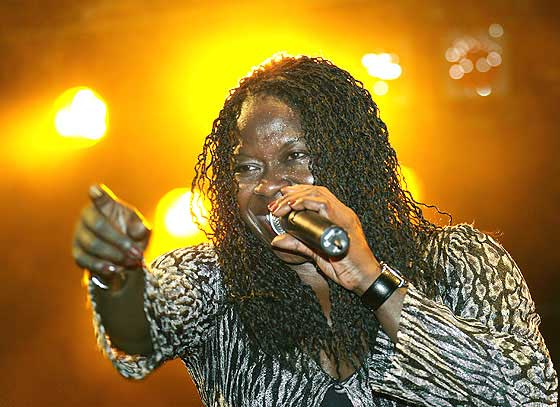 Singer and entertainer   A chicago blues diva, Peaches Staten is a world class entertainer known for spreading the joy of blues since 1997. She was raised on gospel, blues and soul.  A dynamo on stage, and interactive with her band and audience, Peaches brings country, rock and zydeco into her blues.