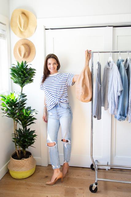velcro-shoes-interviews-estilo-mommy-blogger-closet-organizer.jpeg