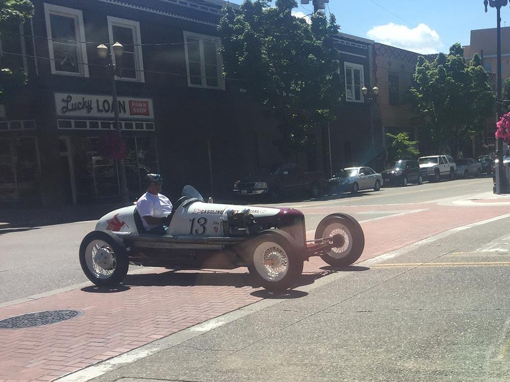 vintage-racecar.jpg