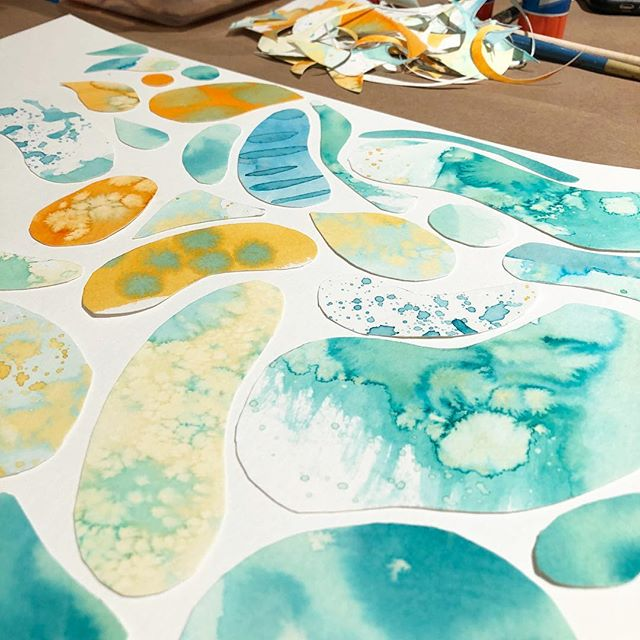 We are kicking off our first Art Mixer at @bowtiebaristacoffee with our favorite watercolor project! Experiment and create abstract painted papers, then deconstruct them and make them into a unique collaged artwork. No art experience needed (we promise), so come relax, have a drink with your friends, and create some art with @outletartco! Tickets at link in bio. #findyouroutlet
